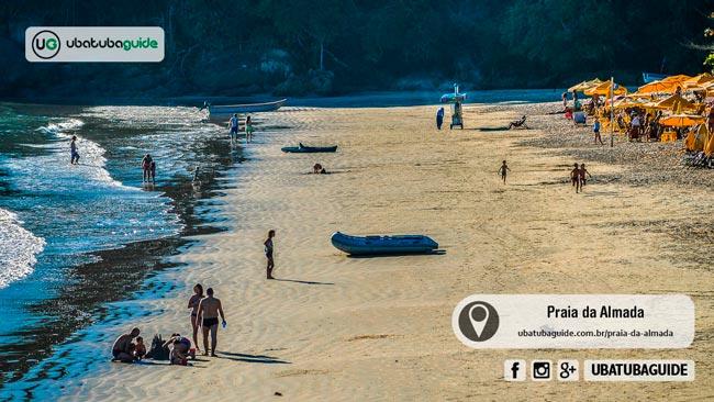 Com boa infraestrutura comercial e águas extremamente calmas, merecidamente a Praia da Almada figura na lista das melhores praias da região norte de Ubatuba para banho
