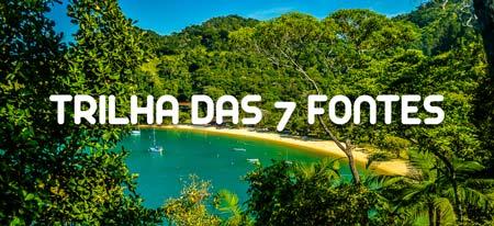 Vista da Praia do Flamengo na Trilha das 7 Fontes em Ubatuba