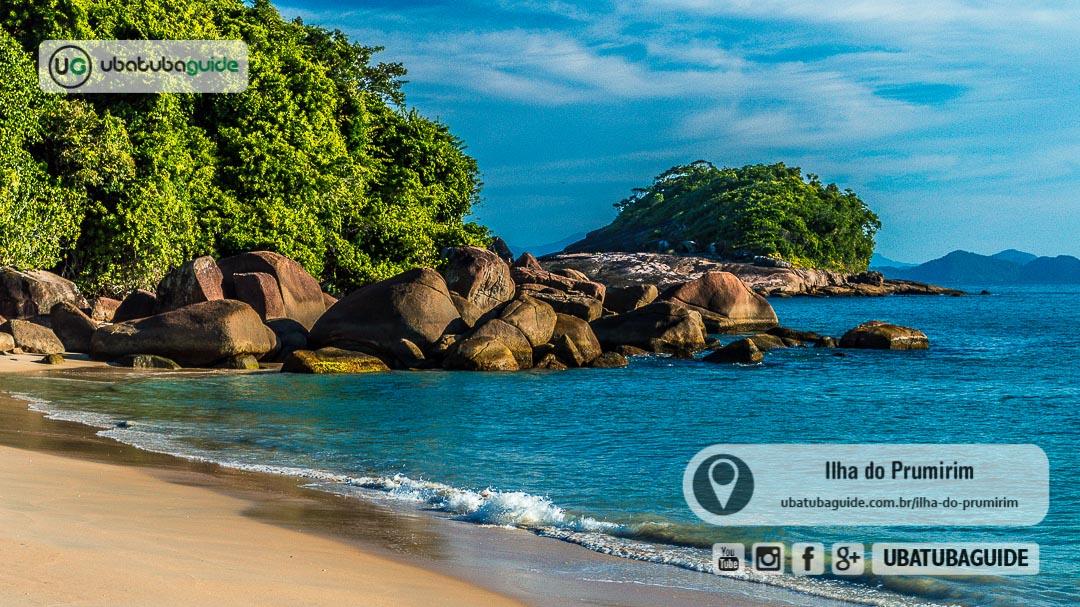 Costeira entre a orla da praia e o pontão da Ilha do Prumirim, onde inicia a trilha para chegar lá