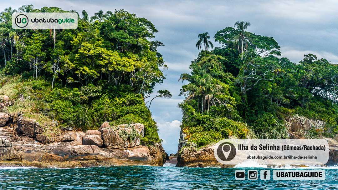 Pequena faixa de areia entre formações rochosas que renderam a Ilha da Selinha o apelido de Ilhas Gêmeas e Ilha Rachada
