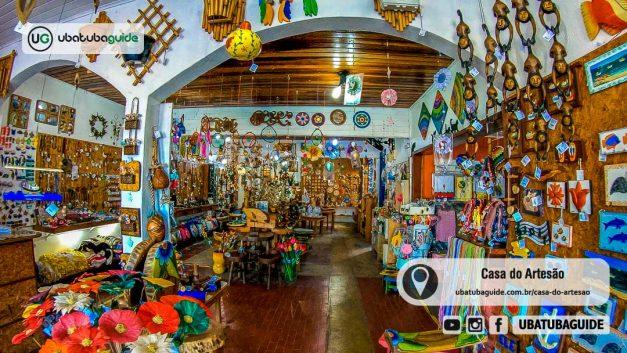 Interior repleto de cores na Casa do Artesão de Ubatuba, um importante Atrativo e Ponto Turístico de Ubatuba