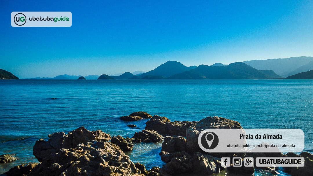 Costa norte de Ubatuba registrada a partir da costeira no extrmeo direito da Praia da Almada, um ótimo local para praticar mergulho livre e snorkeling